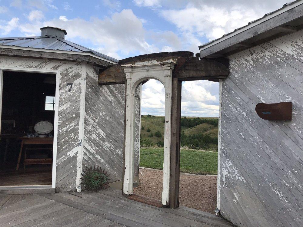 Grain Bin Antique Town: 10641 S Old Hwy 83, North Platte, NE