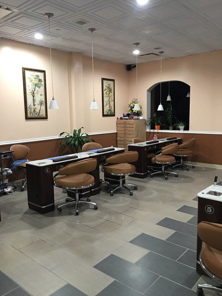 Elite Nail Salons: 4773 Freemansburg Ave, Easton, PA