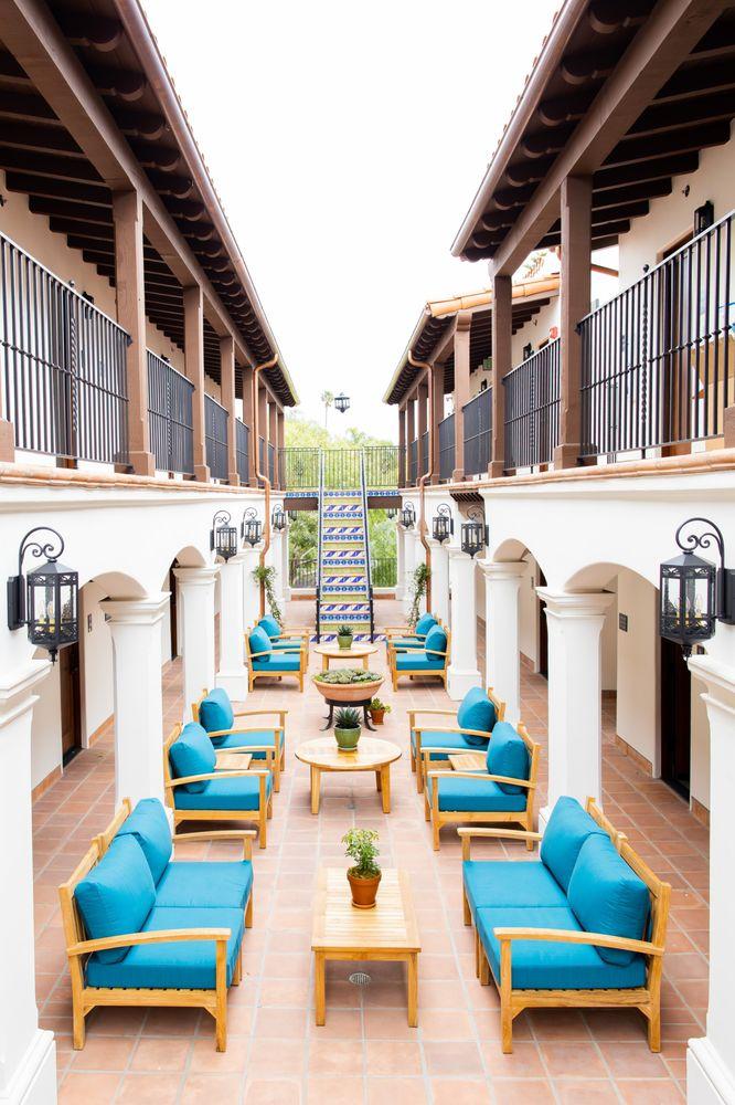 La Playa Inn