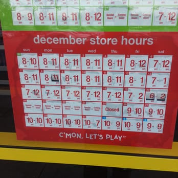 Toys R Us Sunday hours are 10 - 7. * Note that Toys R Us toy store may vary in closing, opening and sunday hours of operation by state and city. The following Toys R Us hours are based on the average store hours nationwide and pertain to most stores.