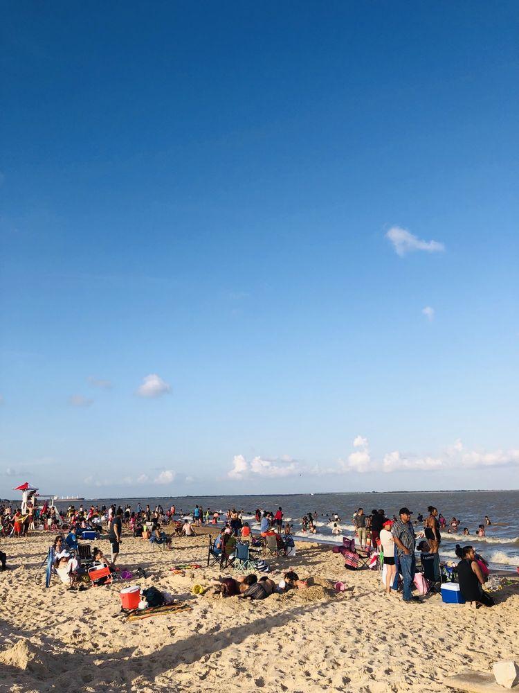Sylvan Beach: 400 N Bayshore Dr, La Porte, TX
