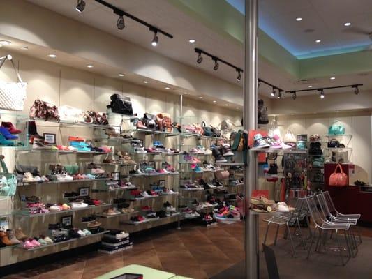 Greenwood Shoe Stores