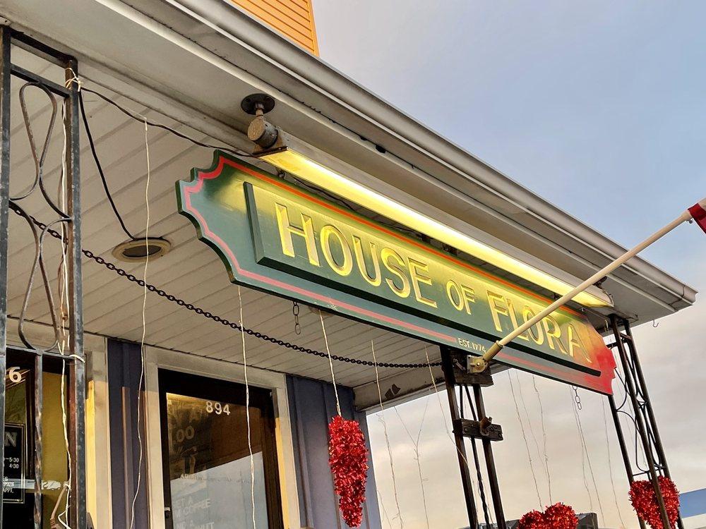 House of Flora Flower Market: 896 New Britain Ave, Hartford, CT