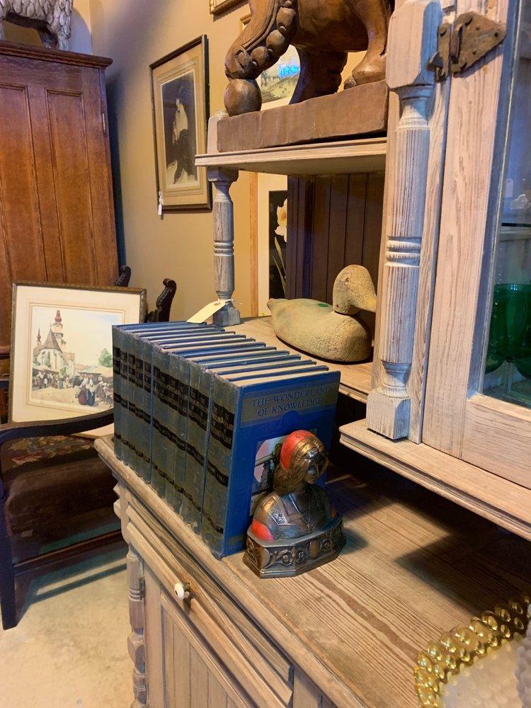 Barn Antiques & Consignment: 100 Hill Rd, Bigfork, MT