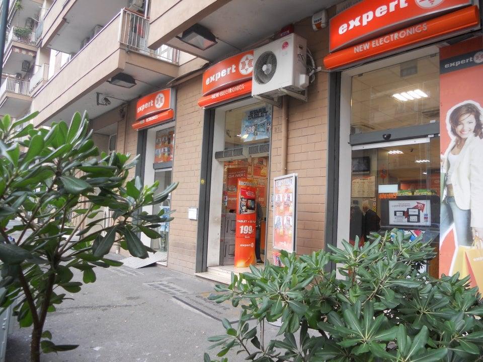 Foto su expert napoli yelp for Expert napoli di lella