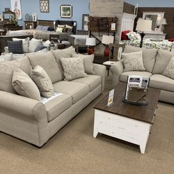 Great Deals On Furniture 23 Photos Furniture Stores 270 Bobby