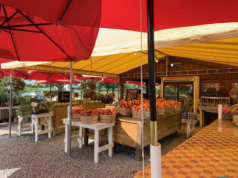 Sound Shore Farms & Market: 5629 Sound Ave, Jamesport, NY