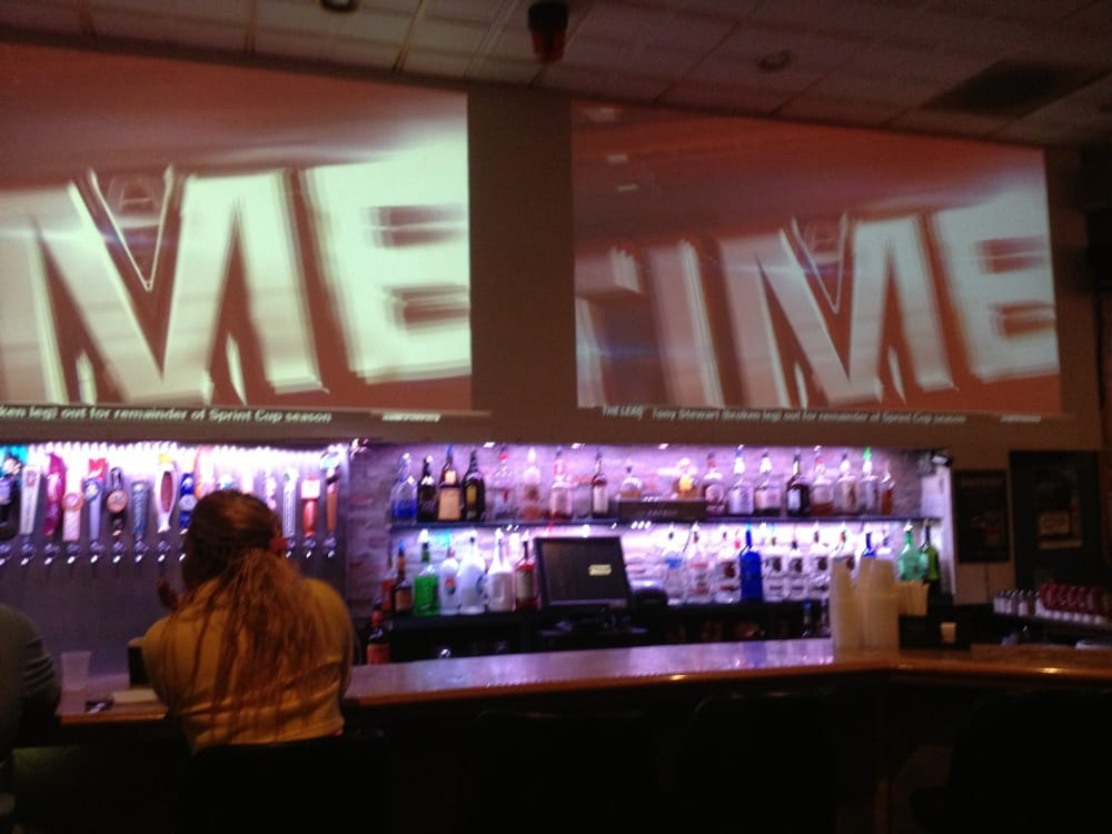 The Hula Bar: 759 E Railroad Ave, Verona, PA