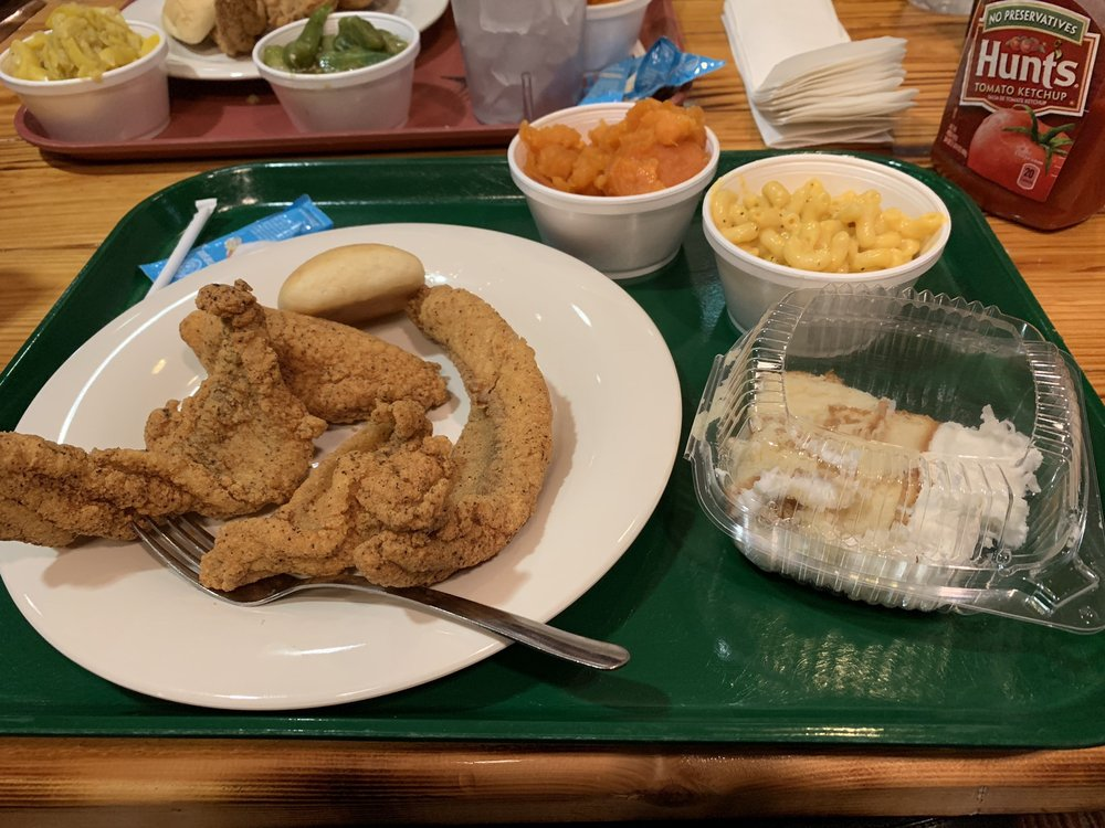 The Lunch Basket: 1651 Hwy 1 S, Greenville, MS
