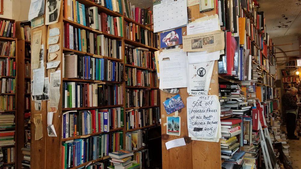 Bookman's Corner: 2959 N Clark St, Chicago, IL