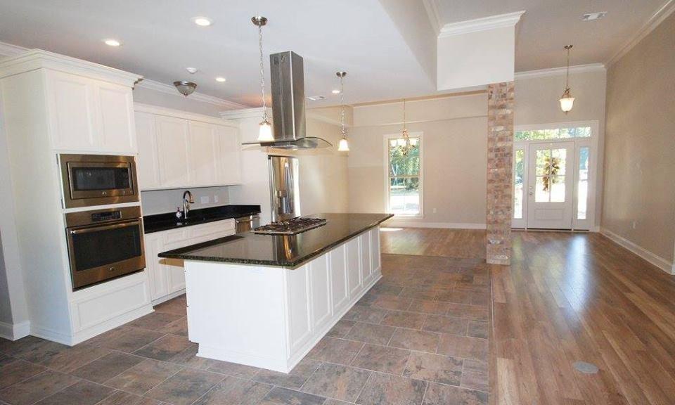 Cretin Townsend Homes: 18300 S I-12 Service Rd, Ponchatoula, LA