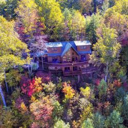 Above The Rest Luxury Cabins 21 Photos 12 Reviews