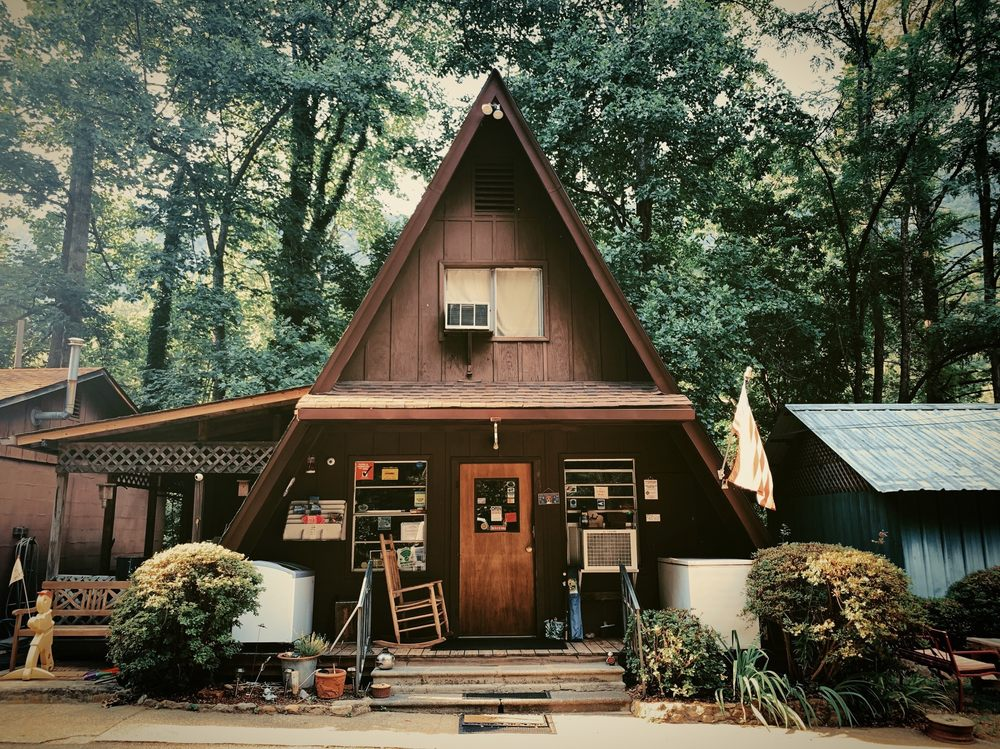 Hickory Nut Falls Family Campground: 639 Main St, Chimney Rock, NC