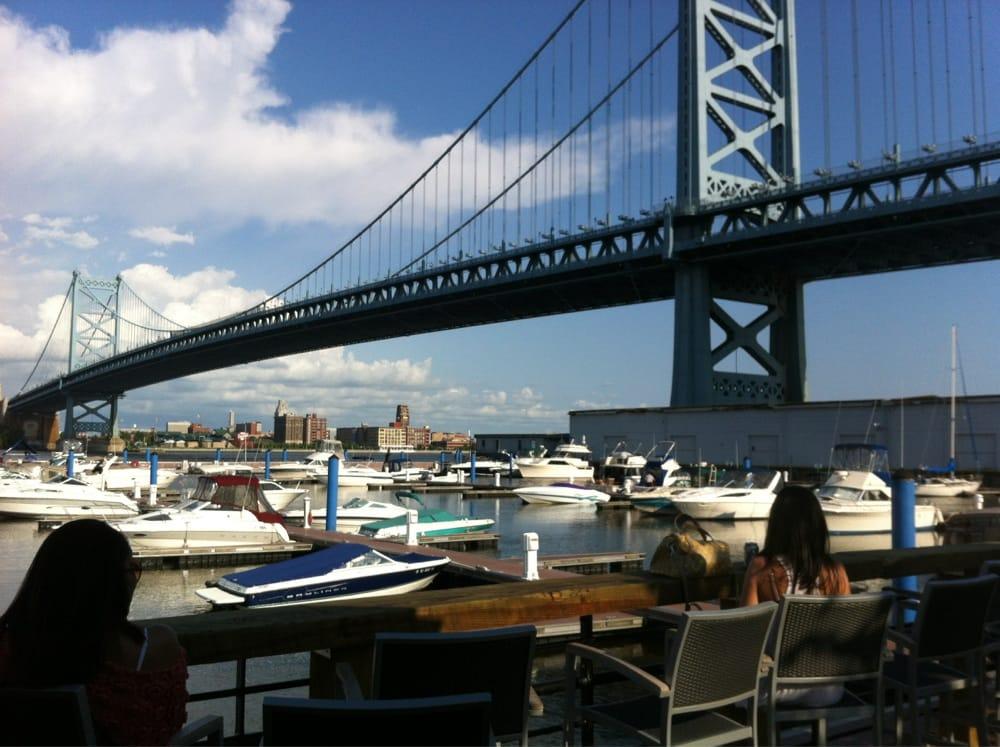 Cafe S Near Morgan S Pier