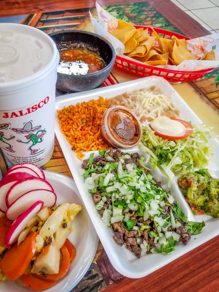Tacos Jalisco: 412 E Wyatt Earp Blvd, Dodge City, KS