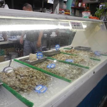 Seafoodlicious 49 photos 52 reviews seafood markets for Fish market savannah ga