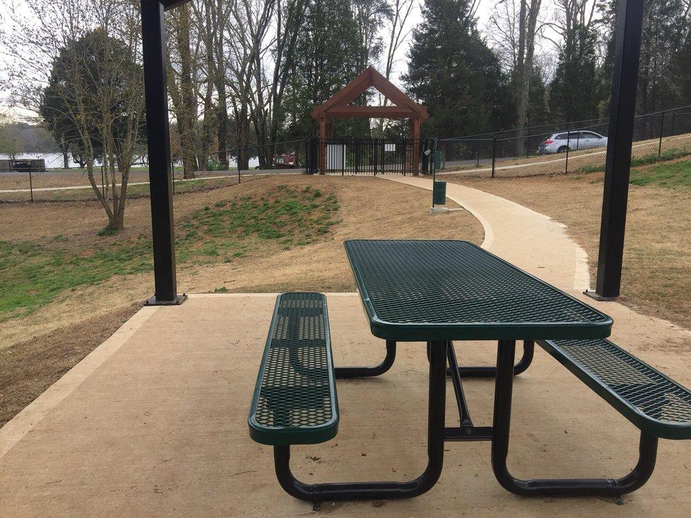 Dog Park: Lenoir City, TN