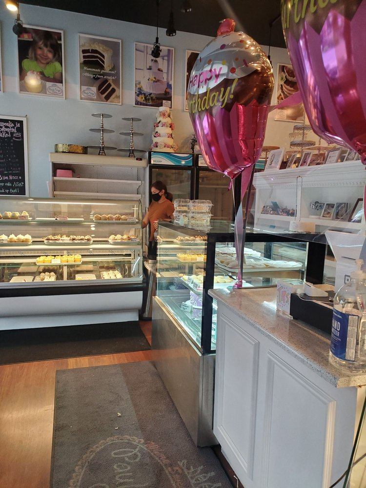 Paula Vega Cakes: 308 9th St, Huntington, WV
