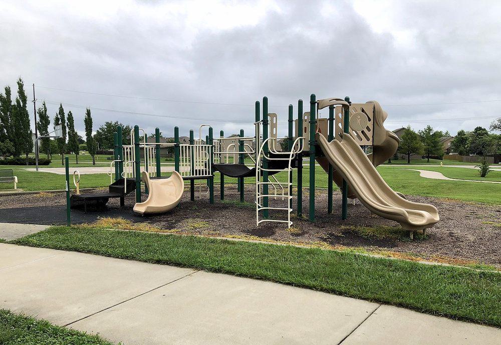 Veterans Park: 121 Pawnee Ln, Gardner, KS