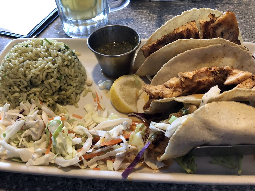 La Costa Seafood & Bar: 1006 S Washington Ave, Cleveland, TX