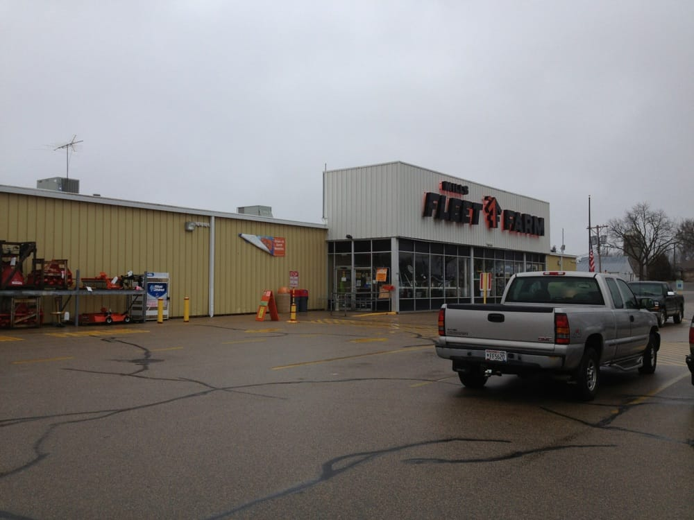 Mills Fleet Farm: 500 S Main St, Clintonville, WI