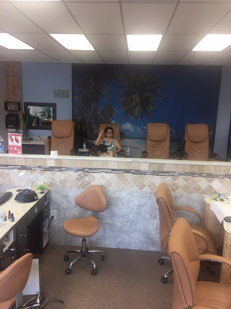Exotic nail and spa 15 billeder neglesaloner 3105 n for Ab nail salon sarasota