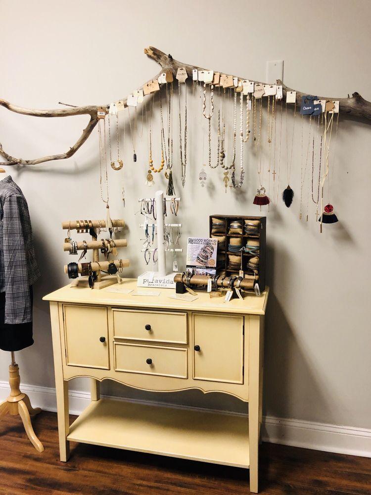 Salon EllaPar & Spa: 888 Kingsbay Rd, Saint Marys, GA
