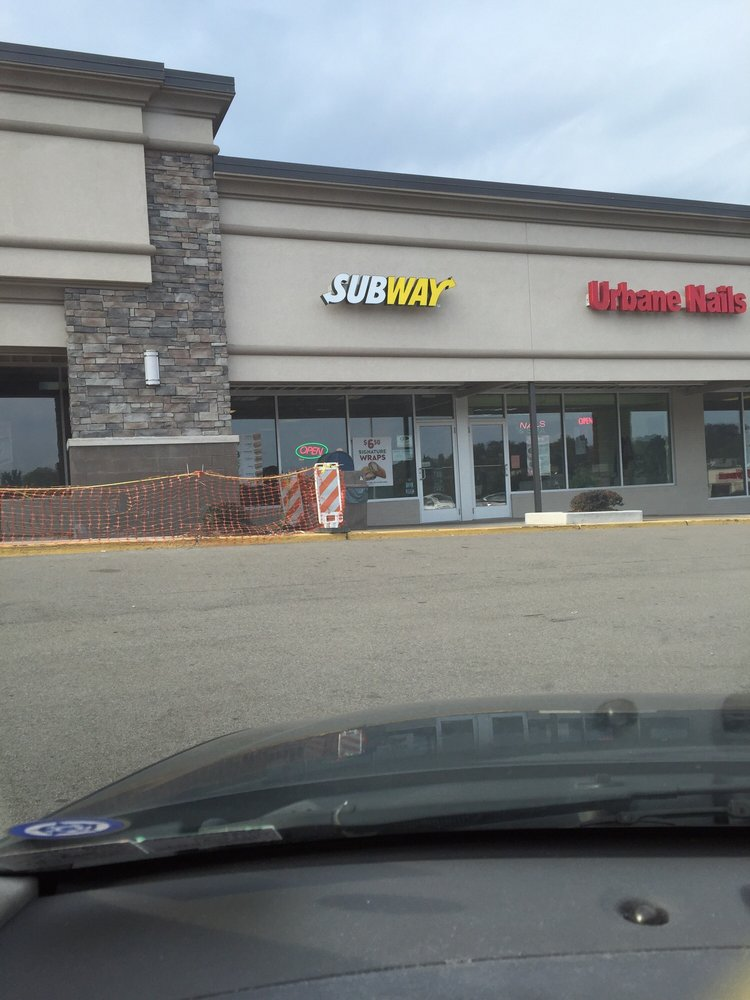 Subway: 322 Curry Hollow Rd, Pittsburgh, PA