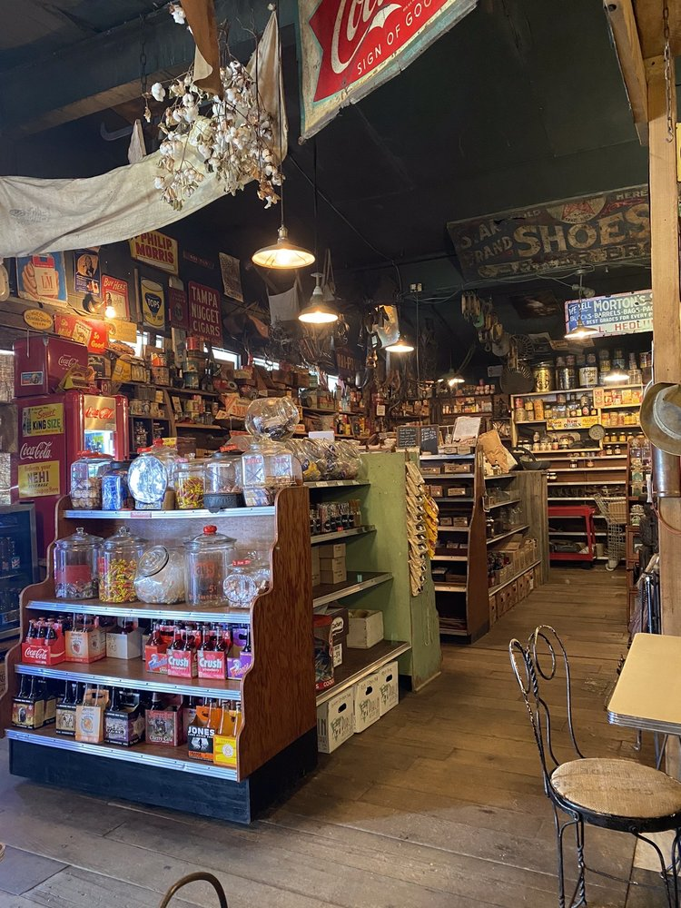 Ike's Amish Depot and General Store: 4004 Hwy 43 N, Ethridge, TN