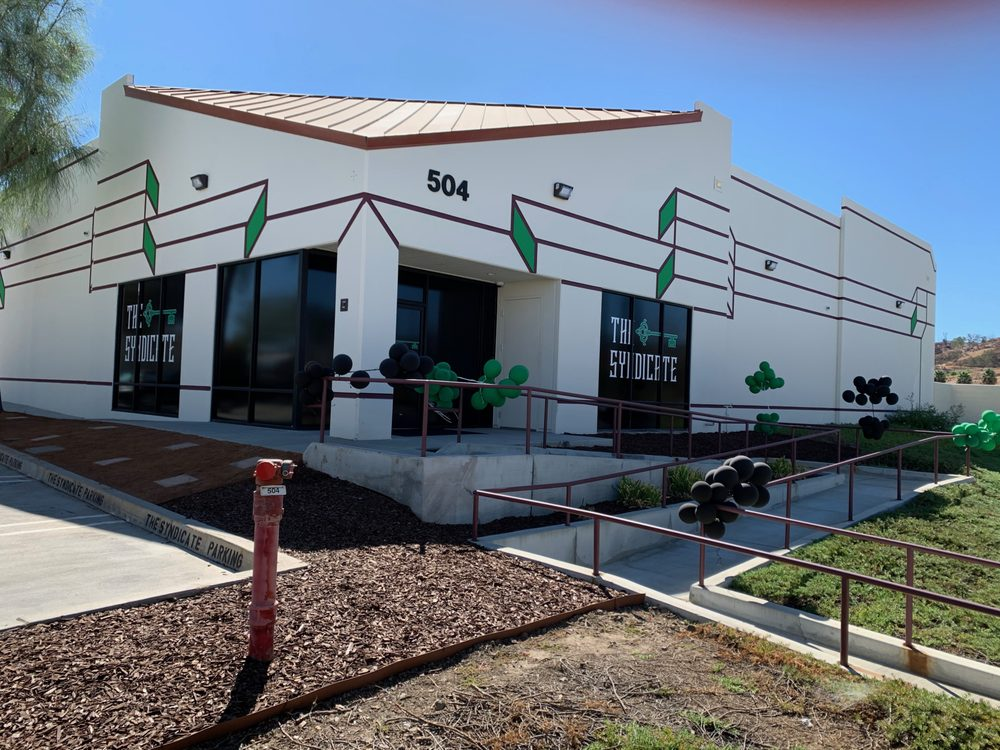 The Syndicate - Lake Elsinore: 504 Central Ave, Lake Elsinore, CA