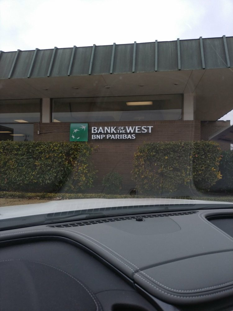 Bank of the West: 701 W Broadway Ave, Enid, OK