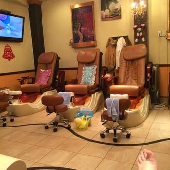 Lv Nails Spa 18 Photos 34 Reviews Nail Salons 1125 W Nc Hwy