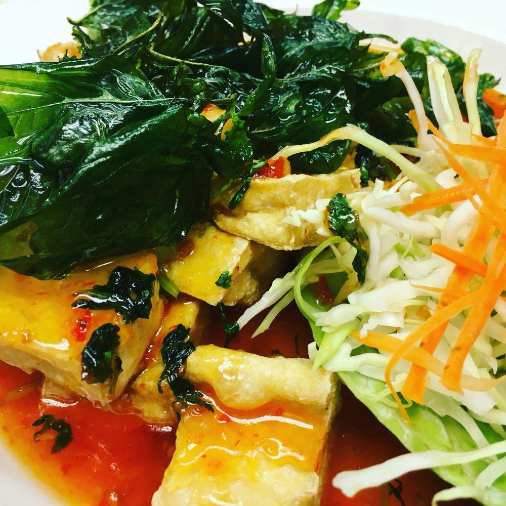 Racha Thai Cuisine: 805 N Battlefield Blvd, Chesapeake, VA