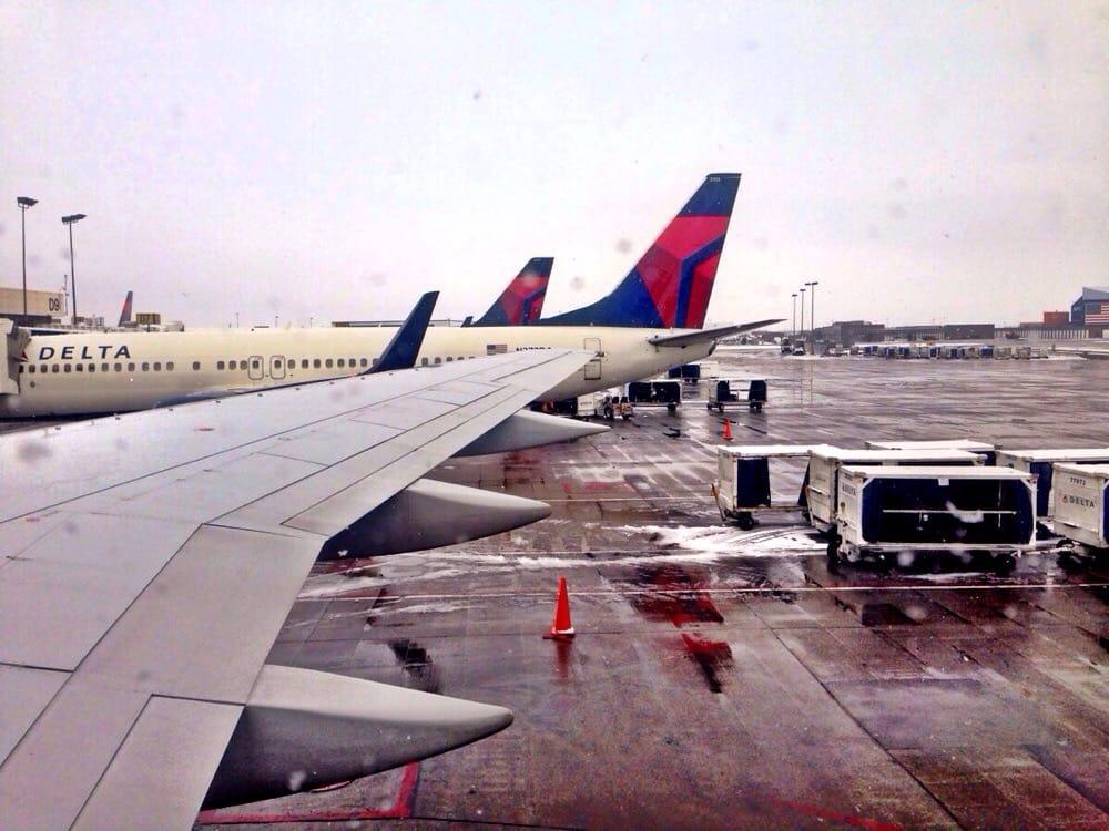 delta air lines 103 fotos 175 beitr ge airlines 776 n terminal dr salt lake city salt. Black Bedroom Furniture Sets. Home Design Ideas
