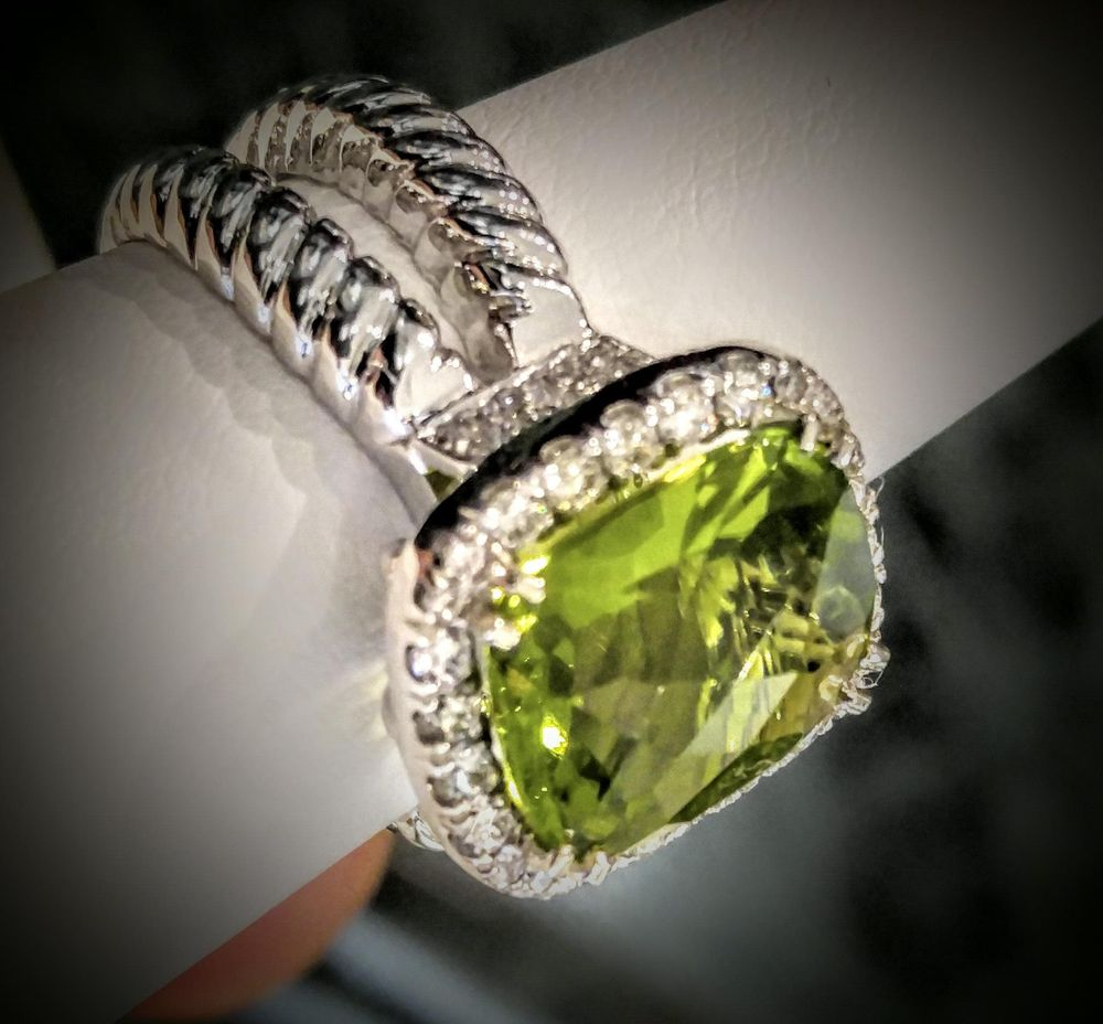Marquise Jewelers: 4 Coliseum Ave, Nashua, NH