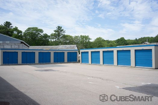 e27b9d1cbe2a CubeSmart Self Storage 525 S County Trl Exeter
