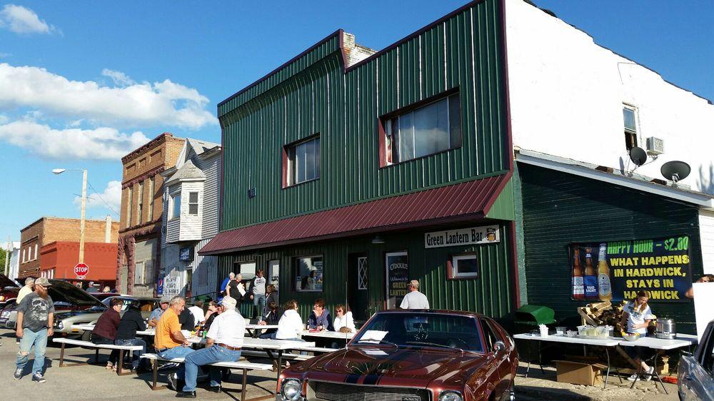 Green Lantern: 105 W Main St, Hardwick, MN