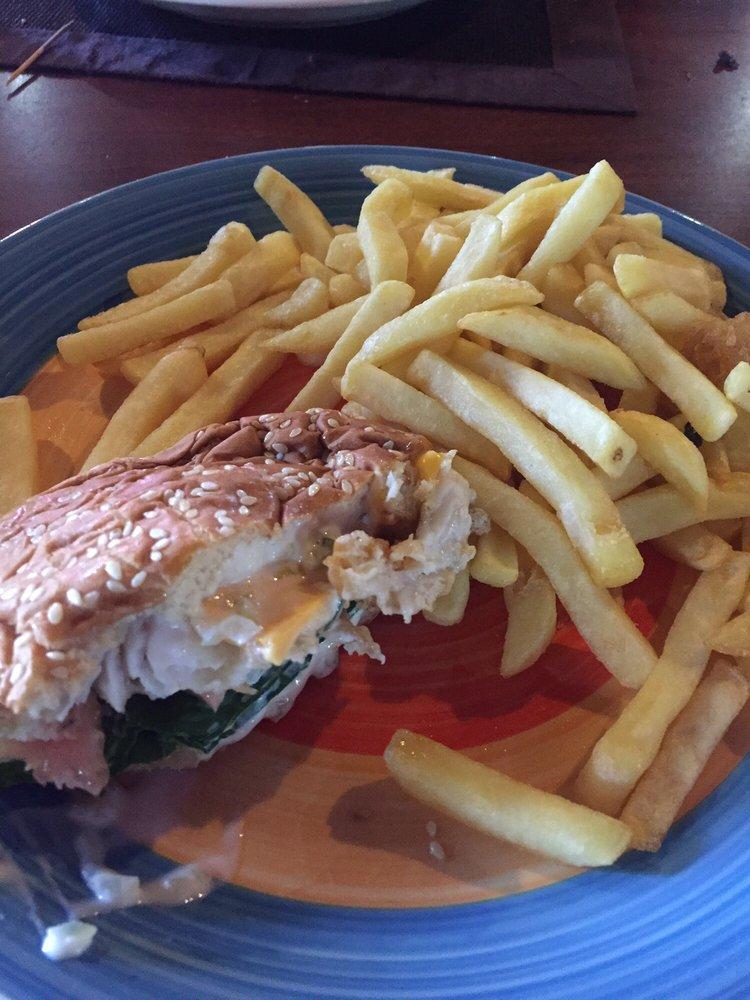 Curly s restaurant bar 14 photos caribbean arawak for Good fried fish near me