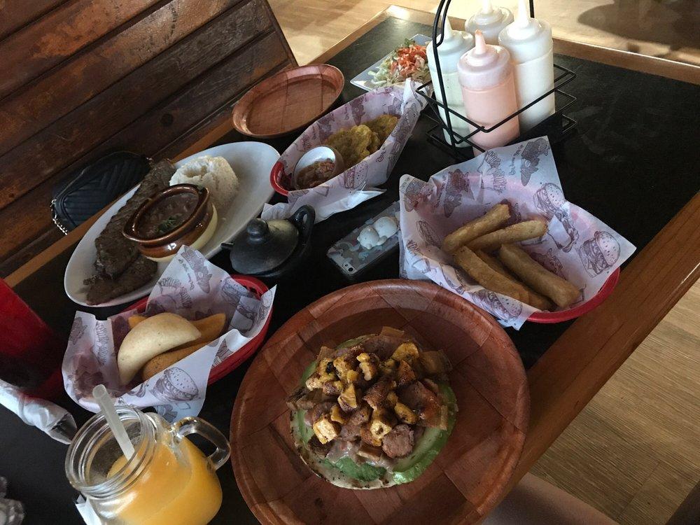 La Mordida Restaurant Bar & Grill: 14100 US Hwy 19 N, Clearwater, FL