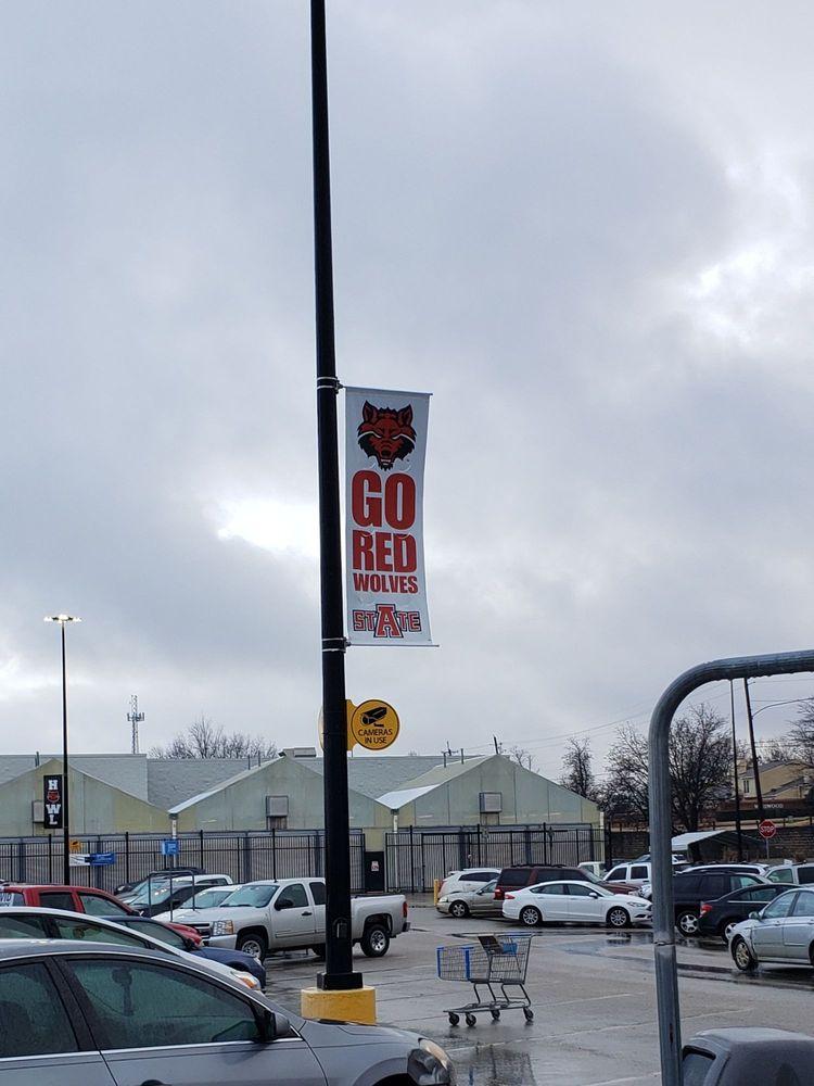 Walmart Supercenter: 1815 E Highland Dr, Jonesboro, AR