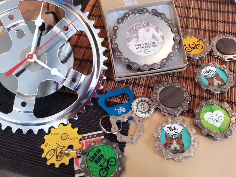 recycled bike chain gifts sprocket clock bottle openers keychains magnets frames bracelets. Black Bedroom Furniture Sets. Home Design Ideas
