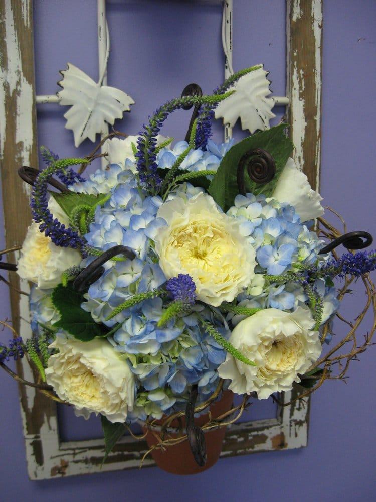 Amazing Petals Florist: 125 S Broadway St, Lake Orion, MI