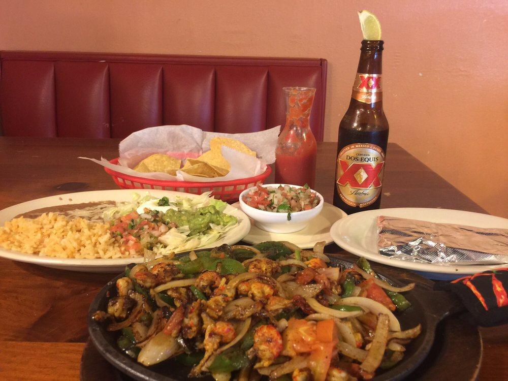 Las Fajitas Mexican Grill: B 620 W Frontage Dr, Wiggins, MS