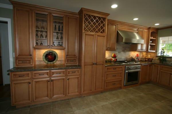 Maple Cabinets W/light Java Stain & Glaze