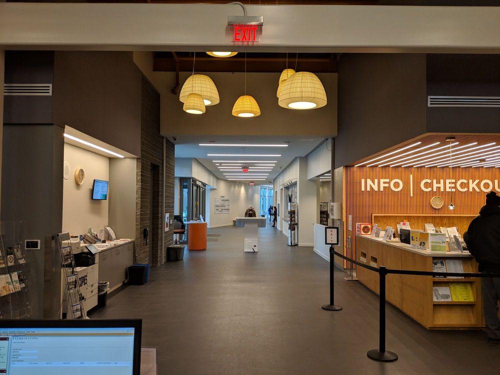 Route 9 Library & Innovation Center: 3022 New Castle Ave, New Castle, DE
