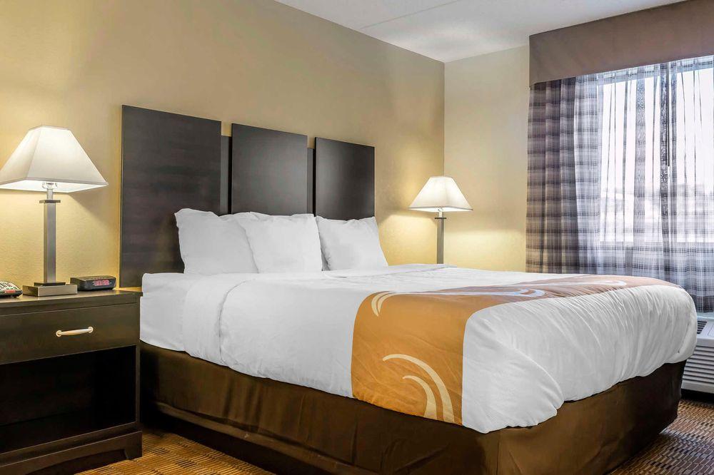 Quality Inn & Suites: 8 Landings Drive, Pittsburgh, PA