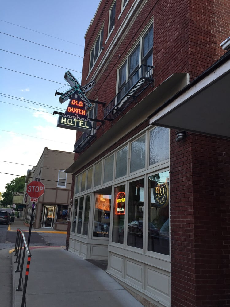 Old Dutch Hotel & Tavern: 227 Elm St, Washington, MO