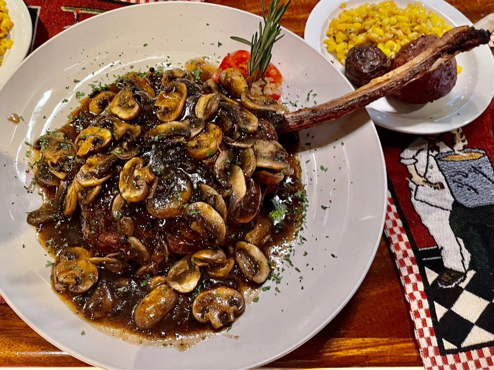 Chef Nate's: 2045 Wilton Dr, Wilton Manors, FL