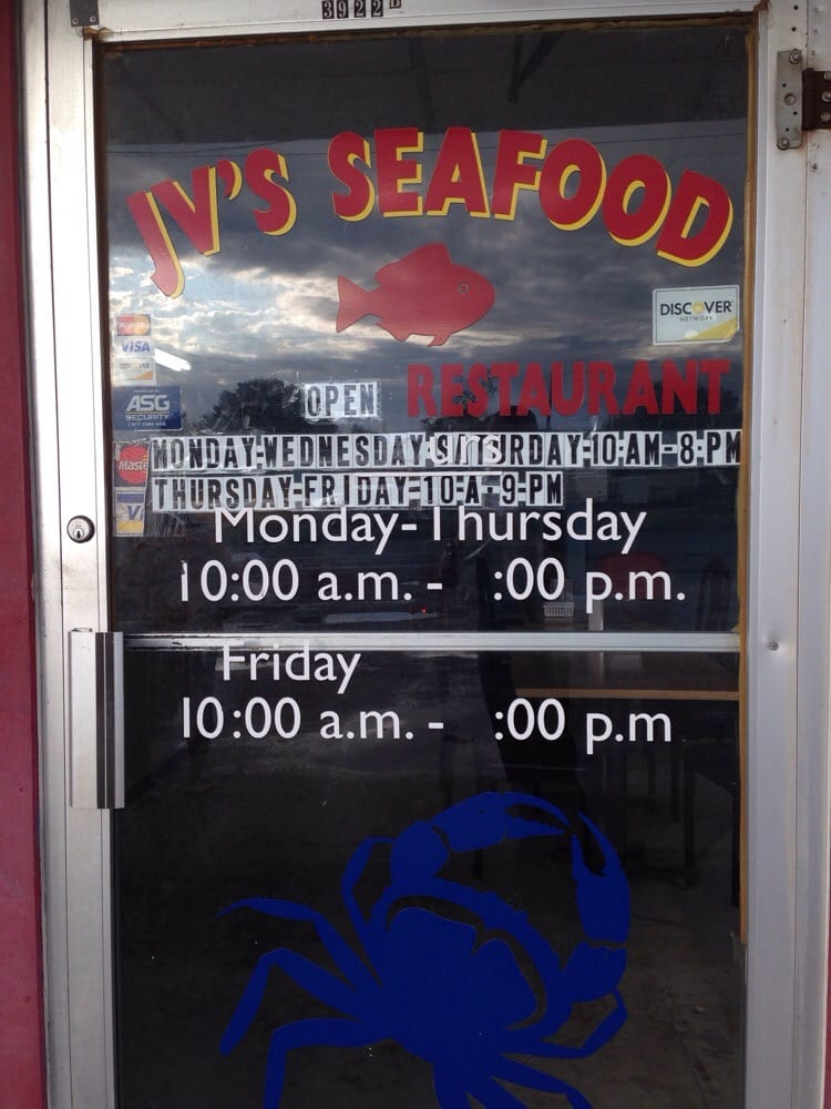 JV's Seafood: 3922 N Twin City Hwy, Nederland, TX