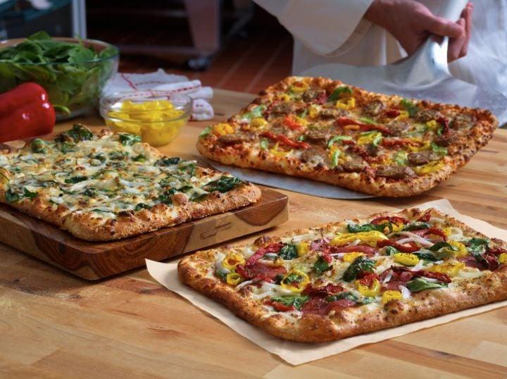 Domino's Pizza: 409 US Hwy 117 N, Burgaw, NC